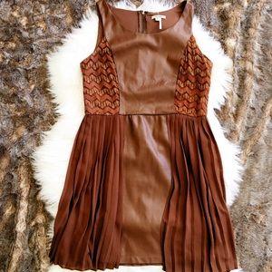 Dresses & Skirts - ⭐️HOST PICK⭐️Copper Pleather & Lace Skater Dress